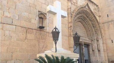 Retirada de cruz por aplicação errada de uma lei causa reações na Espanha 19.05.16