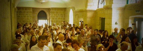 Adolescentes judeus atacam com pedras católicos que participavam da Missa em Israel 10.06.16