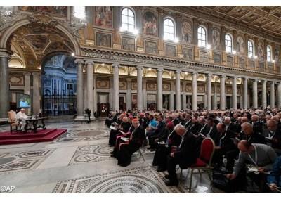 Criar uma cultura da misericórdia pede Papa aos sacerdotes 03.06.16