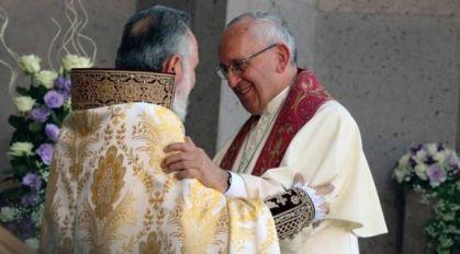 O Papa e o líder da Igreja Armênia assinam declaração contra o fundamentalismo religioso 27.06.16