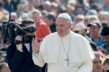 Papa Francisco Jesus nunca permanece indiferente à oração feita com humildade e confiança 23.06.16
