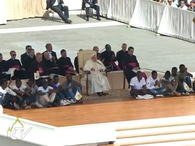 Papa não tenham medo de tocar o pobre e excluído 22.06.16 B