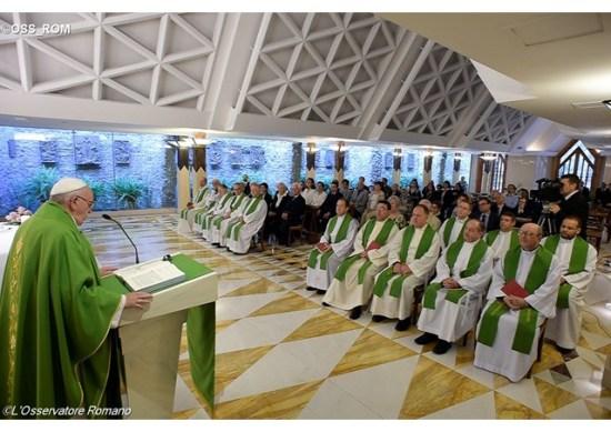 Papa rezar pelos inimigos, a perfeição da vida cristã 14.06.16