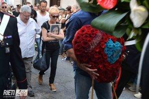 """Fonte:  Rieti Life @Rietilife Renzi scrive alla famiglia di Simona Monti e delle altre vittime: """"Non vi lasciamo soli"""" - http://www.rietilife.com/2016/07/09/renzi-scrive-alla-famiglia-di-simona-monti-e-delle-altre-vittime-non-vi-lasciamo-soli/ …"""