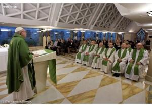 Papa Francisco durante a sua homilia na Casa Santa Marta - OSS_ROM