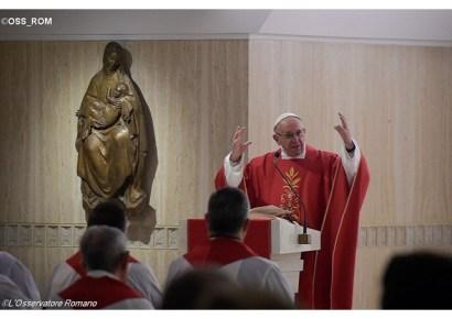 francisco-jesus-que-reza-por-nos-e-o-fundamento-da-nossa-vida-28-10-16
