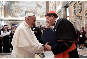 respeito-e-a-base-da-relacao-entre-bispos-e-religiosos-afirma-papa-28-10-16