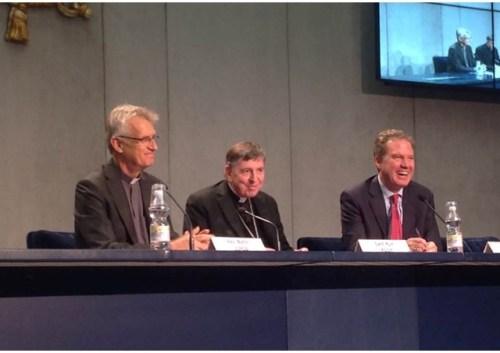 Rev Martin Junge, Cardeal Koch e Greg Burke na apresentação da viagem do Papa à Suécia - RV