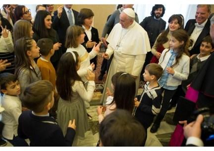 papa-acao-catolica-contagie-o-mundo-com-alegria-do-amor-19-12-16