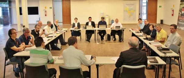 Comissão reunida em Brasília para discutir elaboração de subsídios / Foto: CNBB