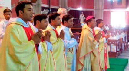 aumentam-ordenacoes-sacerdotais-em-arquidioceses-onde-cristaos-sao-perseguidos-14-02-17