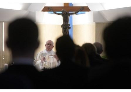 Papa aprender a ouvir o Espírito antes de tomar decisões 29.05.17