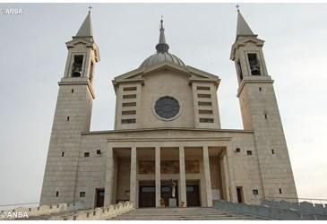 A oração da Família Salesiana para que relíquia seja devolvida 06.06.17
