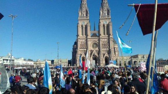 Argentinos clamam pela vida e renovam consagração à Virgem de Luján D 10.07.18